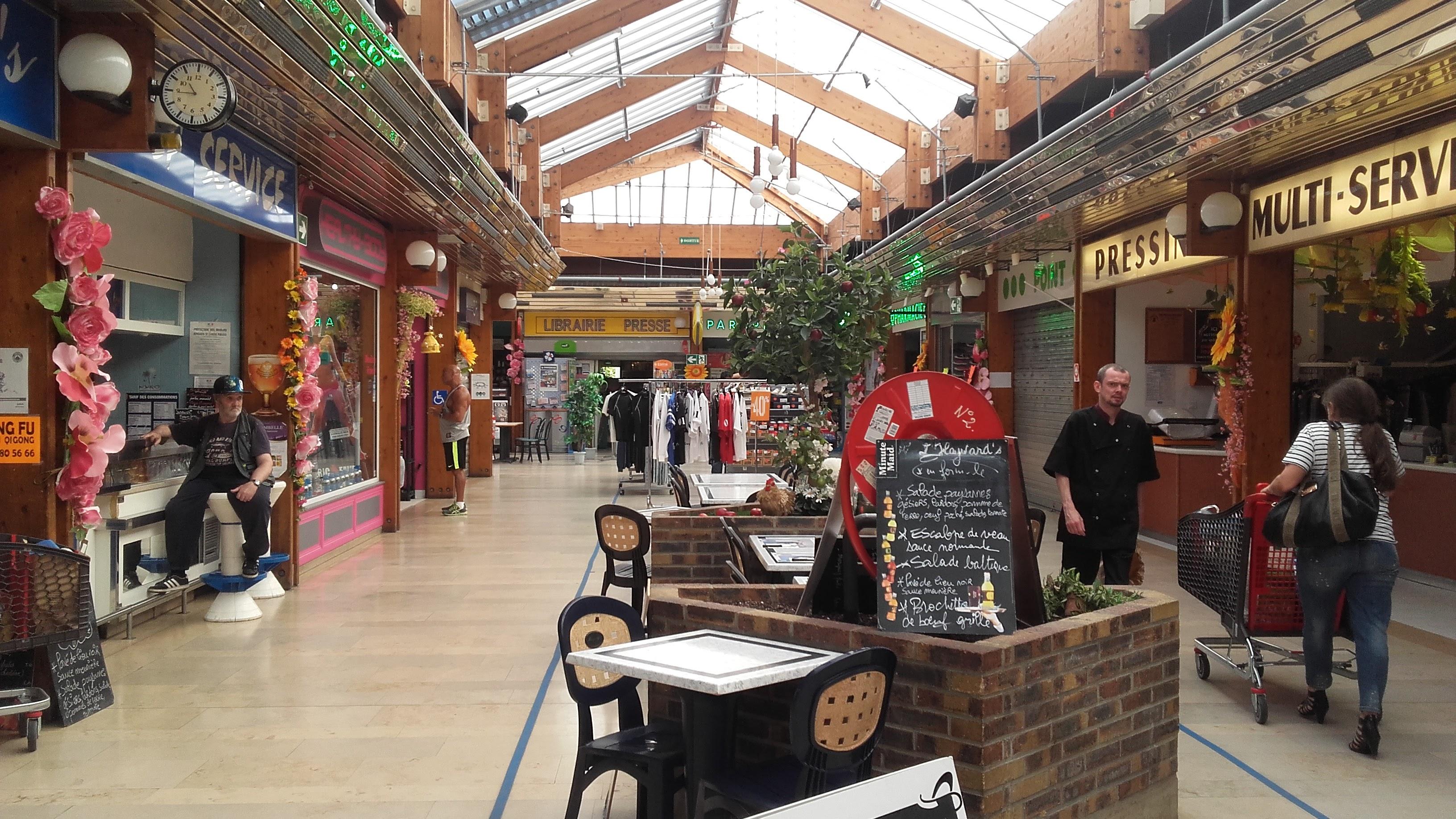 Les commerces du centre commercial du Val de Seine à Vernouillet