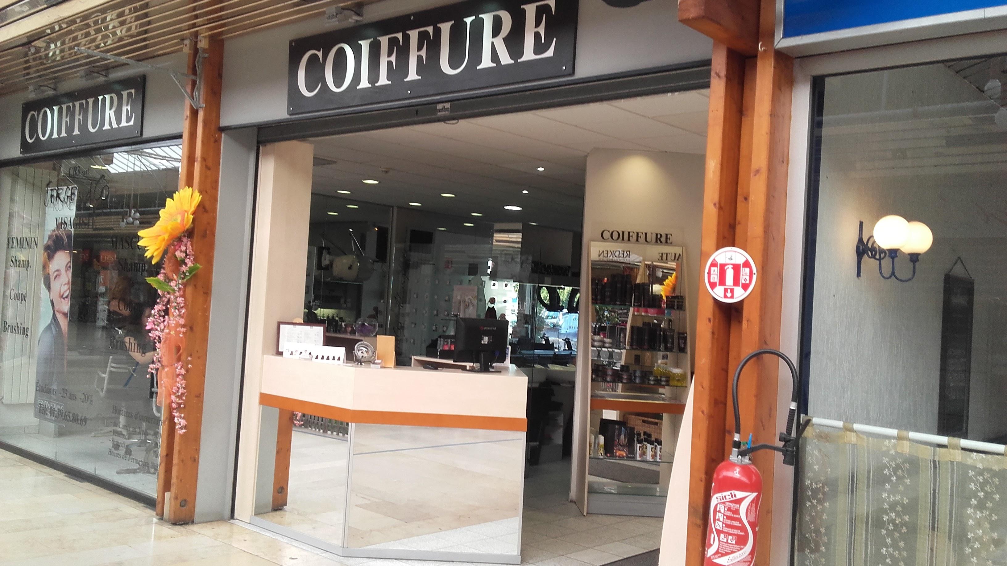 C.B.3 coiffeur au centre commercial du Val de Seine à Vernouillet