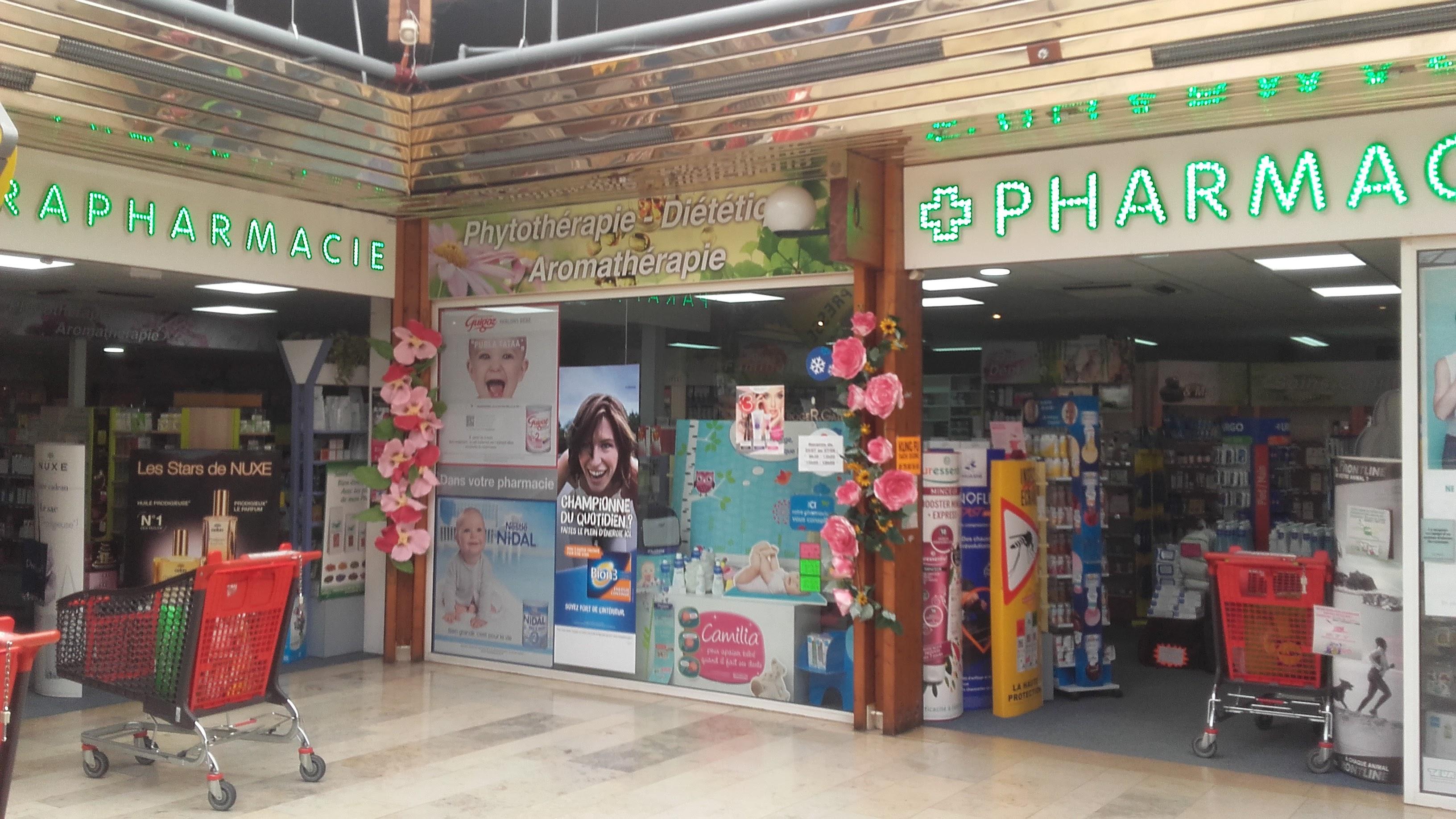 La pharmacie du centre commercial du Val de Seine