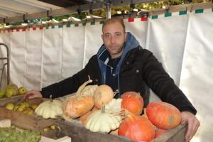 Fabrice ROBERT, producteur de fruits et légumes au marché de Verneuil sur Seine