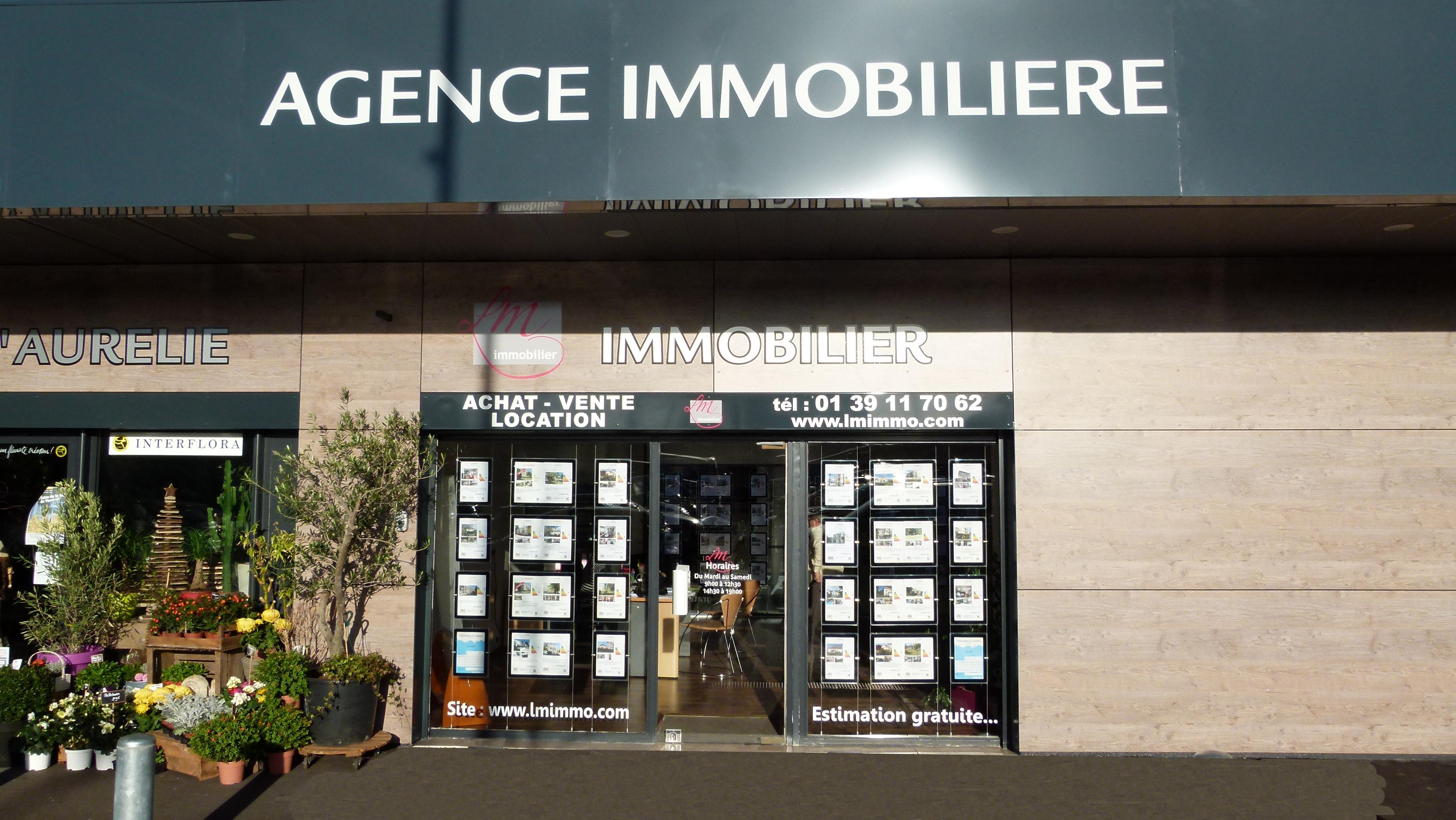 Lm Immobilier à Verneuil sur Seine au centre commercial du Maupas