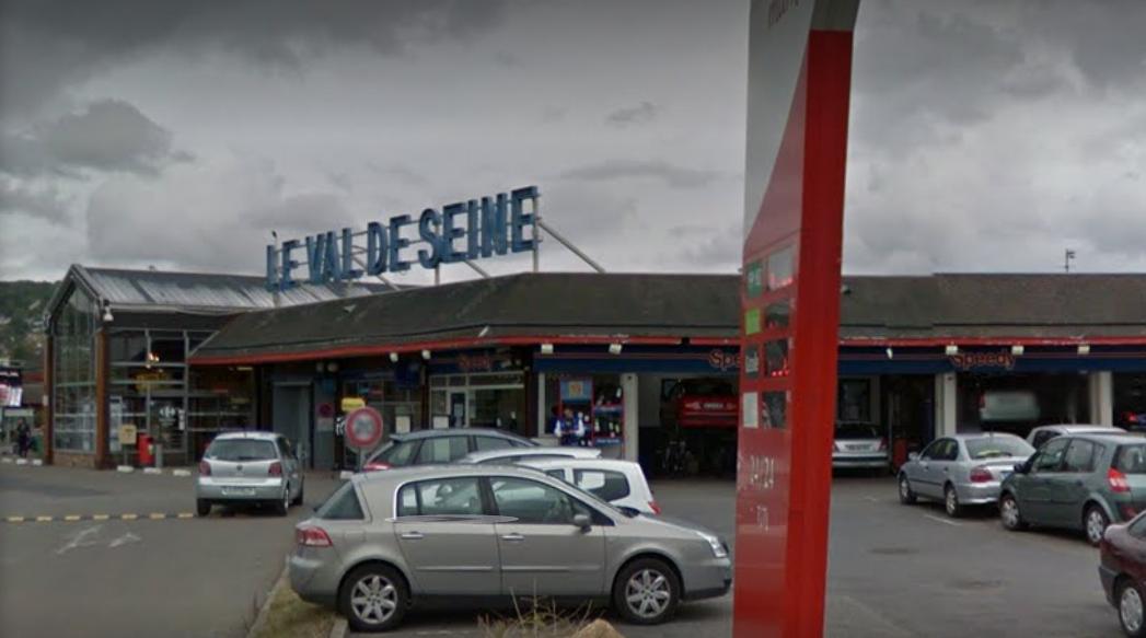 Centre auto speedy au centre commercial du Val de Seine à Vernouillet