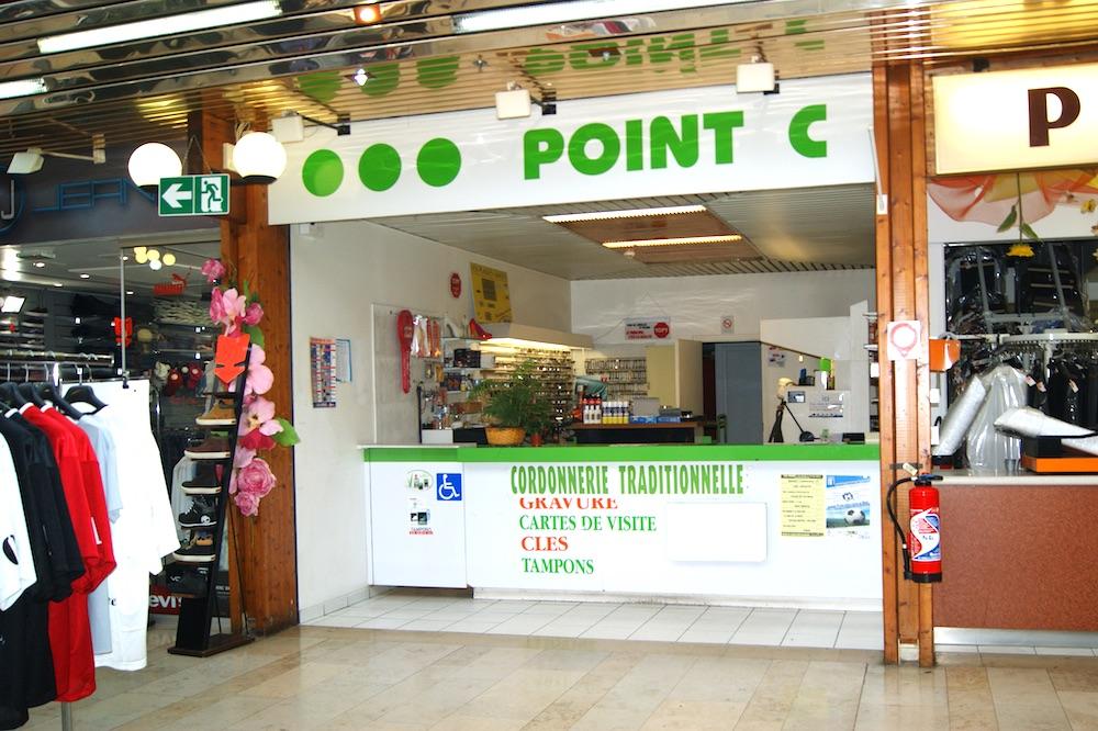 Cordonnier au centre commercial du Val de Seine de Vernouillet