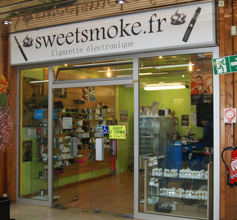 Le centre commercial du Val de Seine à Vernouillet a aussi son commerce de cigarettes électroniques